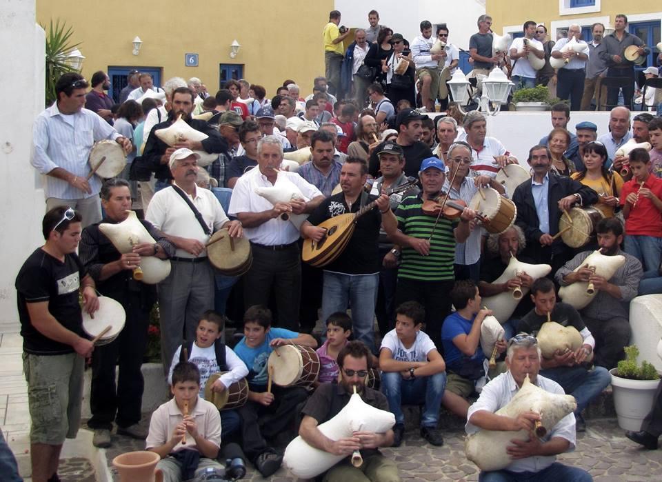 Αποτέλεσμα εικόνας για 16η Μουσική Συνάντηση Λαϊκών Πνευστών και Παραδοσιακής Μουσικής Νέων Νοτίου Αιγαίου Σύρος