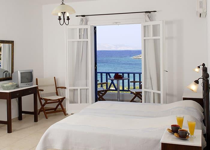 """""""LIOLIOU Beach Hotel"""""""